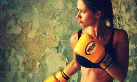 Γίνε σαν την Adriana Lima κάνοντας Kick Boxing.