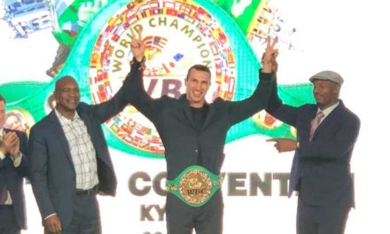 Τιμητικά στον Βλάντιμιρ Κλίτσκο η πράσινη ζώνη της WBC!
