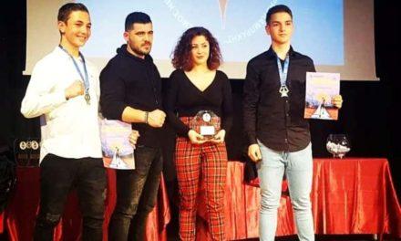 Βράβευσε τους αθλητές των Fighters Athanasopoulos Αργυρούπολης ο Δήμος
