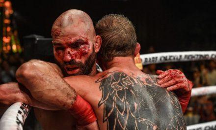 Συγκλονίζει η εικόνα των Λομπόφ και Νάιτ μετά τον αγώνα τους (pic)