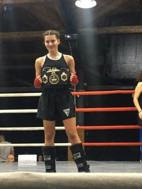 Νικήτρια η Χρύσα Καρλή στα -56 κιλά στο CHAMPIONS NIGHT 61