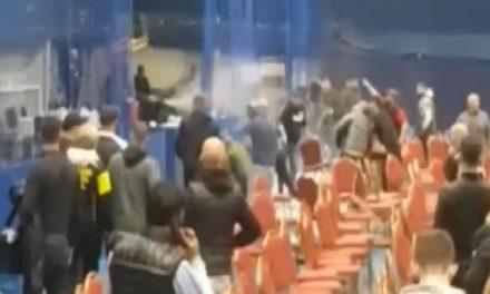 Χουλιγκανισμοί σε Πρωτάθλημα Πυγμαχίας Νέων στην Αγγλία (VIDEO)