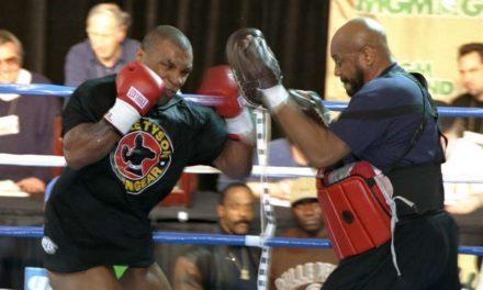 O Mike Tyson το έχει ακόμα και στα…53! (VID)