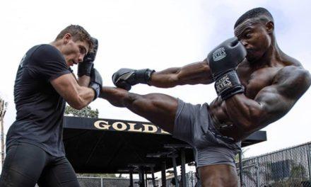 O Rico Verhoeven παραδίδει μαθήματα kickboxing για αρχάριους (VID)