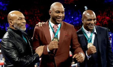 "Lennox Lewis: ""Μισή δουλειά έκανε ο Tyson"""